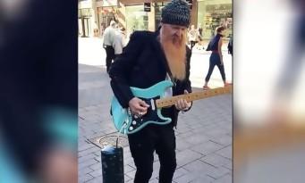 Quand BILLY GIBBONS de ZZ TOP joue incognito dans la rue !