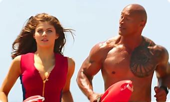 BAYWATCH : trailer bikini et muscles pour Dwayne Johnson, Alexandra Daddario