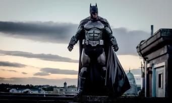 Un cosplay BATMAN incroyable qui lance des boules de feu !