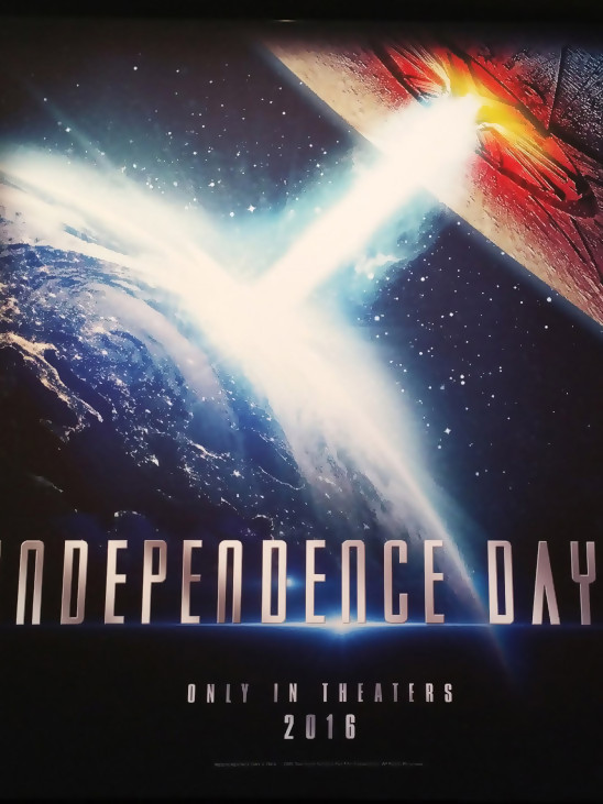 independence day 2 resurgence 2016. Black Bedroom Furniture Sets. Home Design Ideas