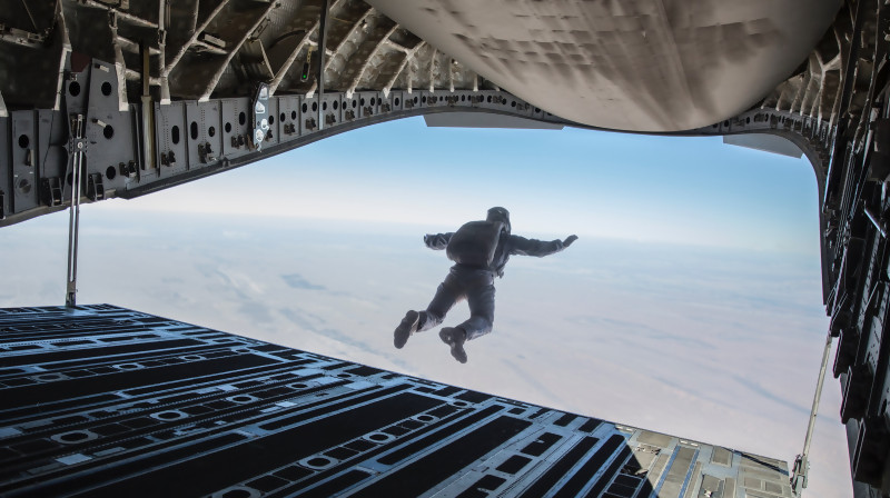 Mission Impossible Fallout : Cascade impressionnante de Tom Cruise (making-of)