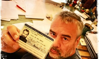 LUC BESSON s'attaque à MARINE LE PEN et encourage à voter contre le FN