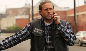 Charlie Hunnam dans Mayans MC, le spin-off de Sons Of Anarchy ?