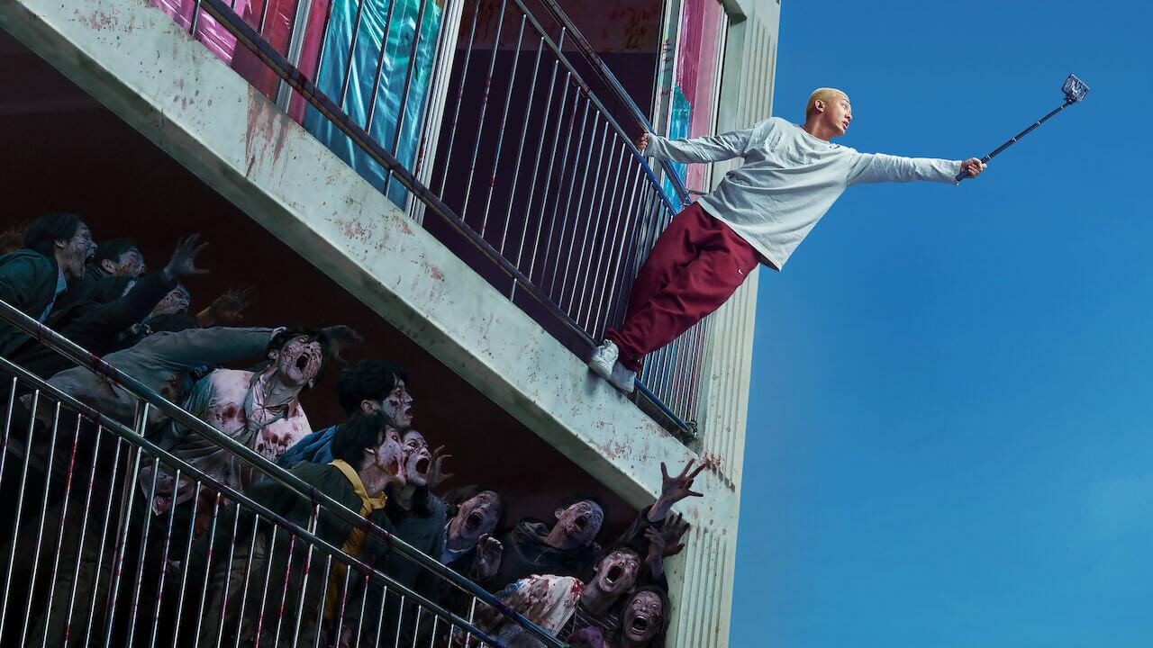 Alive : le film de survival zombies qui cartonne sur Netflix est une réussite