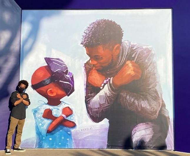 L'hommage géant de Disneyland à Chadwick Boseman — Black Panther