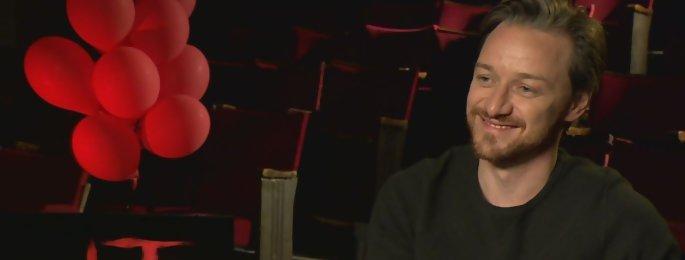 """James McAvoy """"J'ai sniffé l'hélium des ballons rouges de Pennywise"""" ÇA Chapitre 2"""
