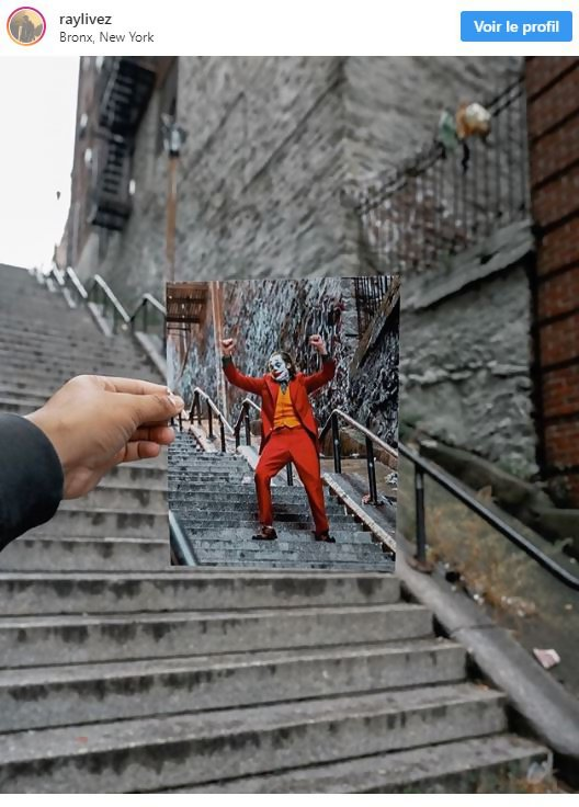 Joker Ou Se Trouvent Les Escaliers De La Scene De Danse A