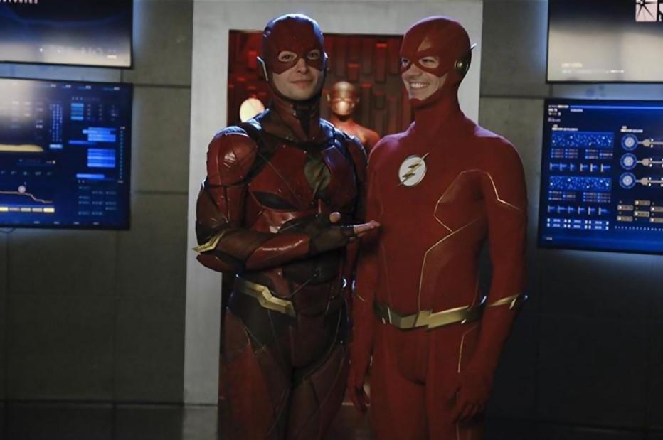 Cette apparition étonnante qui relie les séries aux films DC Comics — Arrow