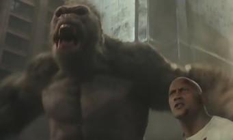 DWAYNE JOHNSON casse tout avec son gorille géant dans RAMPAGE (bande annonce)