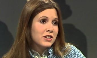 En 1977, la jeune Carrie Fisher tentait de résumer Star Wars en français [Vidéo]