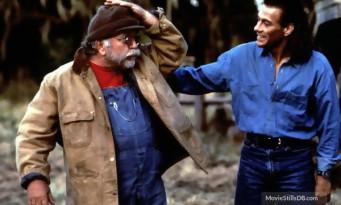 Jean-Claude Van Damme pleure la mort de Wilford Brimley (Chasse à l'Homme de John Woo)